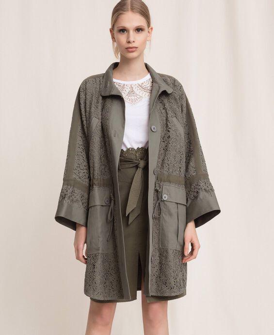 Lange Jacke aus Makrameespitze