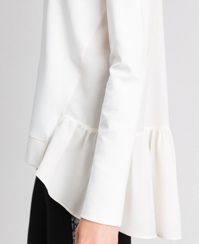 Bluse mit asymmetrischem Volant Weiß Schnee Frau 192TP2641-04
