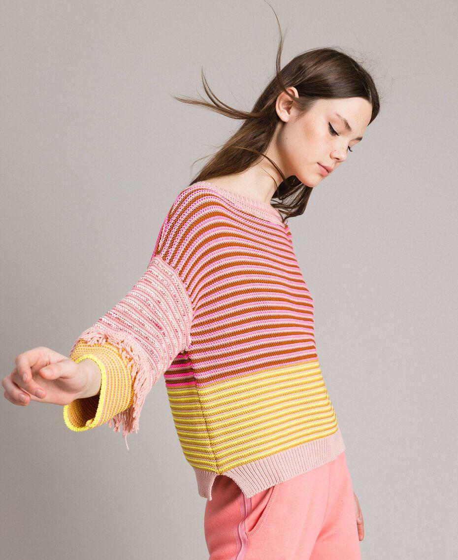 Pull effet patchwork avec franges Rayures Patchwork Rose / Jaune Femme 191TP3311-02