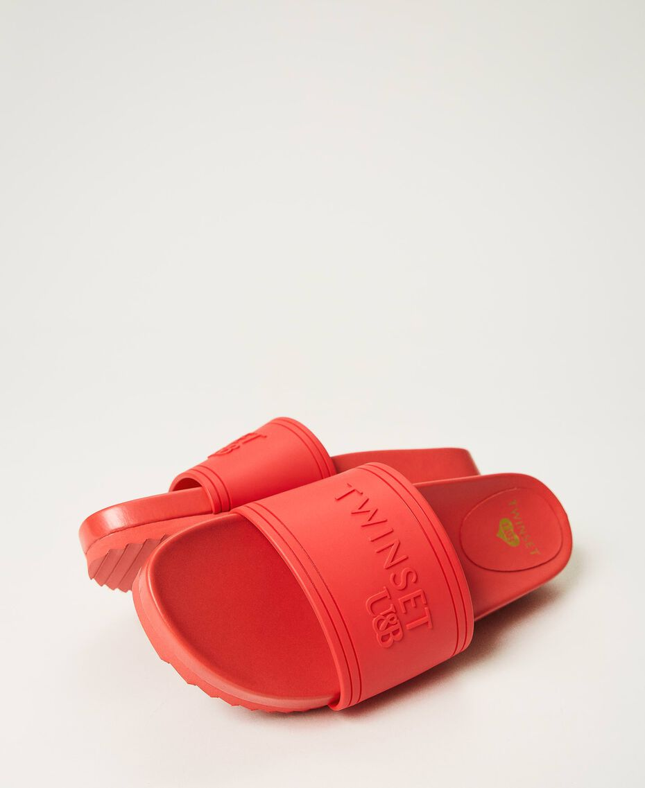 """Sliders with embossed logo """"Cherry Pink"""" Woman 211LMPZNN-01"""