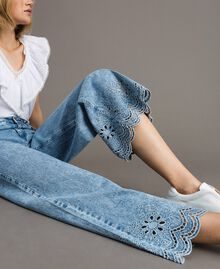 Weit geschnittene Jeans mit Broderie-Anglaise Denimblau Frau 191MP2010-04