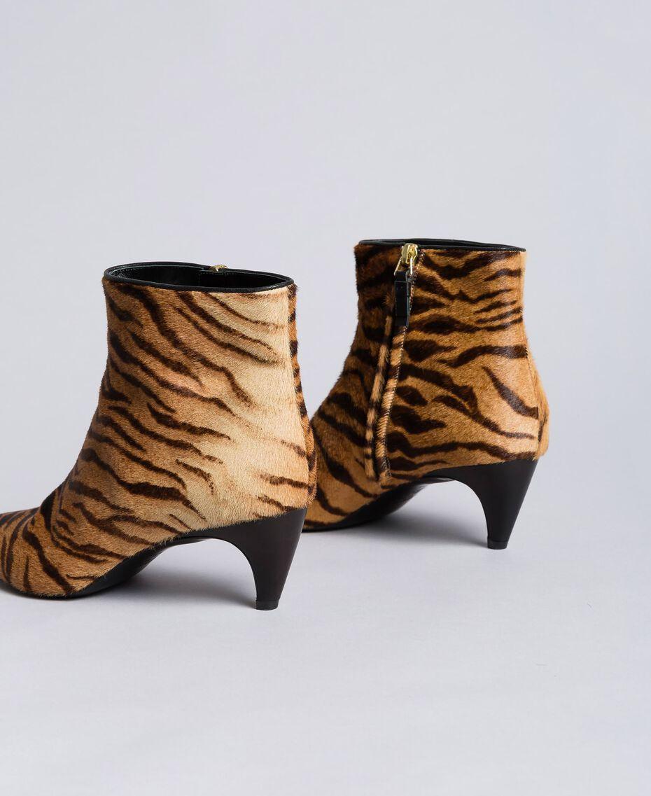 "Ankle-Boot mit Animalierprint Print ""Tiger"" Frau CA8TEC-02"