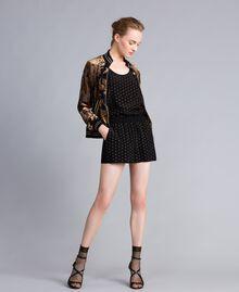 Shorts aus Seide mit Nieten Schwarz Frau PA82EW-0T