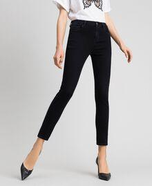 Skinnyjeans im Five-Pocket-Stil Schwarz Frau 192TP2430-01