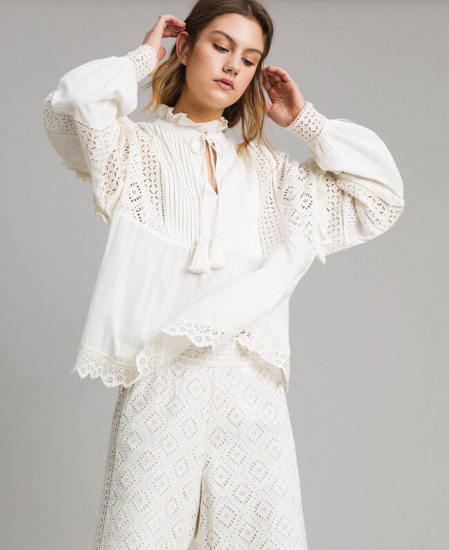26bde4e2f24d9 Broderie anglaise and ruffle blouse White Snow Woman 191TT2040-03