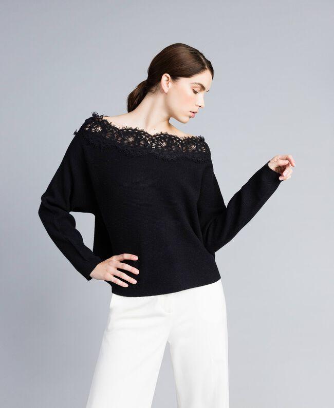 Maglia in misto lana con pizzo Nero Donna TA837N-01