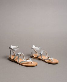Laminierte Leder-Sandalen mit Riemchen Silber / Nickel Frau 191TCT09W-02