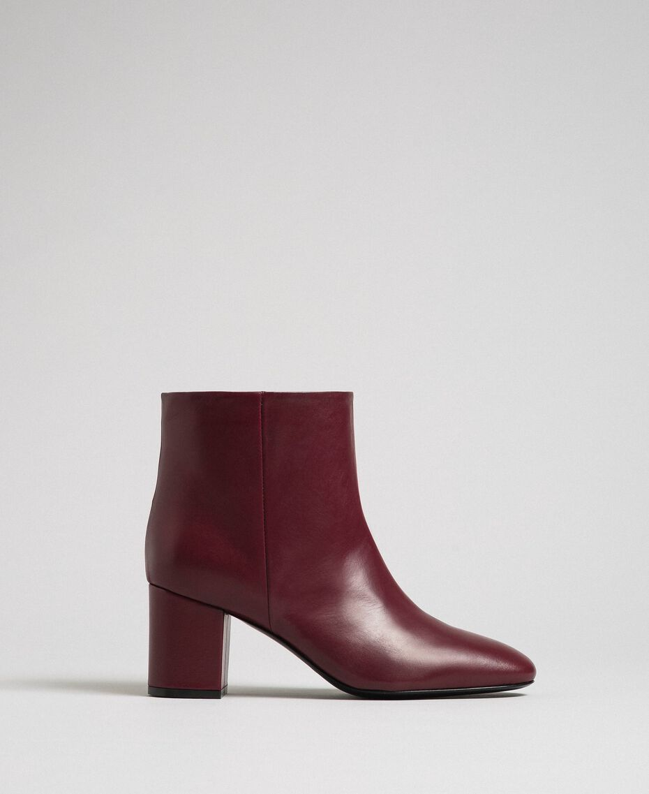 Leather ankle boots Beet Red Woman 192TCP102-03