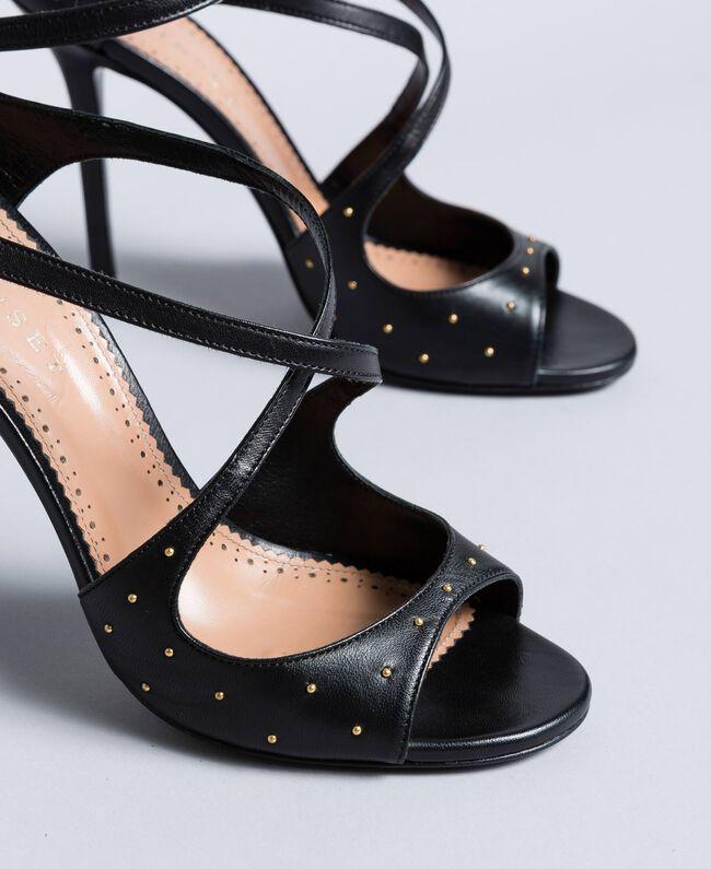 Sandalette aus Leder mit Nieten Schwarz Frau CA8PRA-04