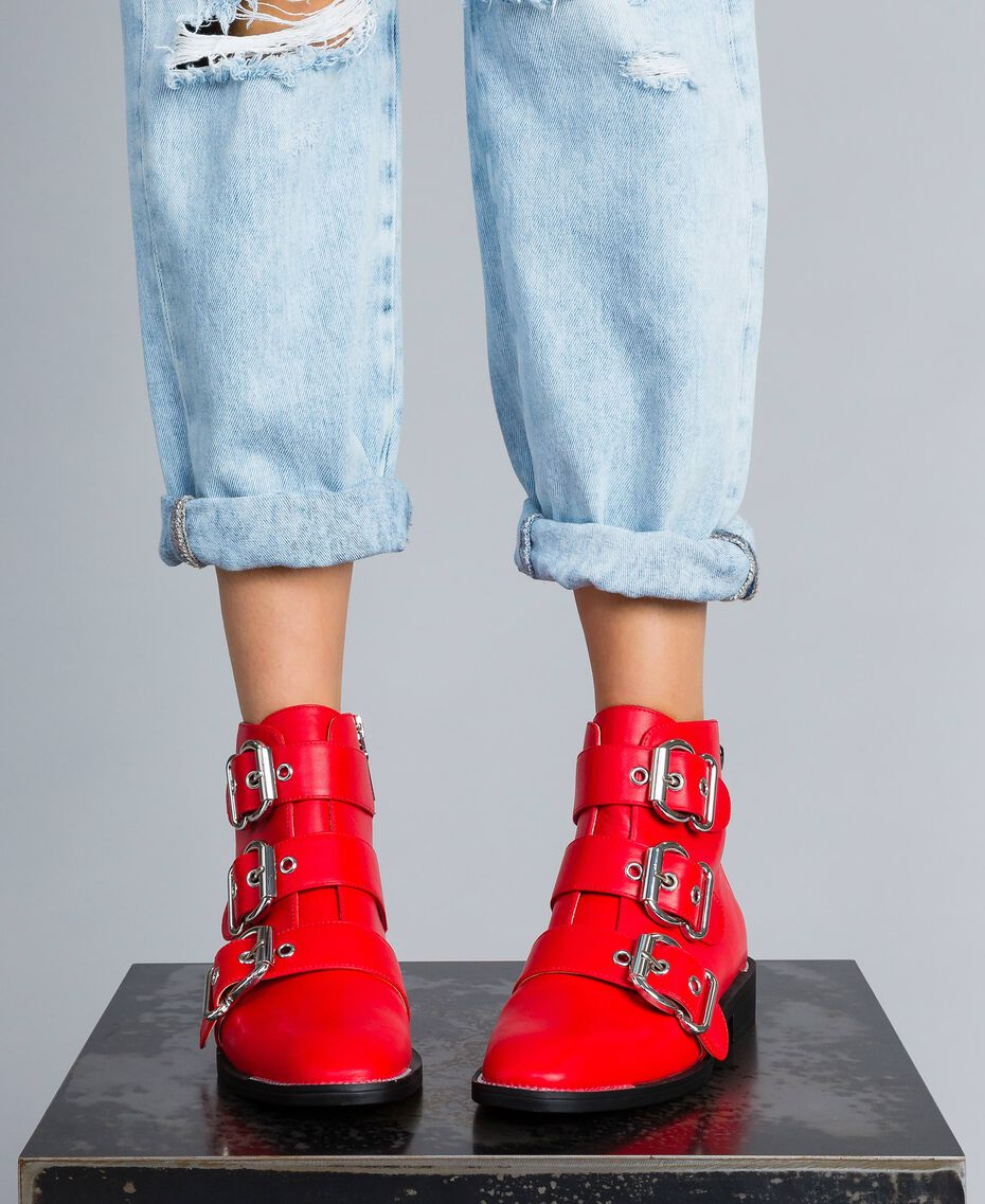 Bottines avec grandes boucles Rouge Coquelicot Femme DA8PHJ-0S