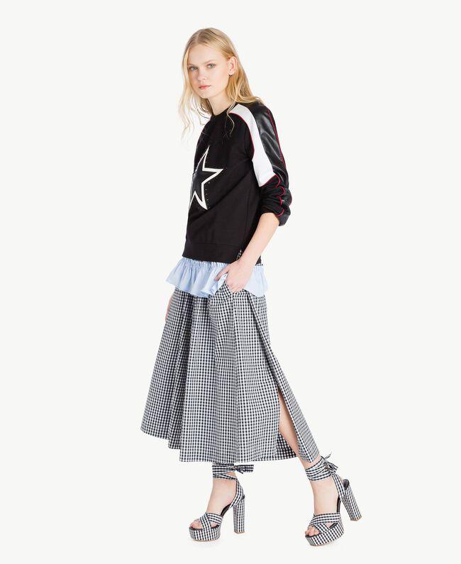 Sweatshirt mit Stern Mehrfarbig Schwarz / Himbeerrot / Optisches Weiß Frau JS82FC-05
