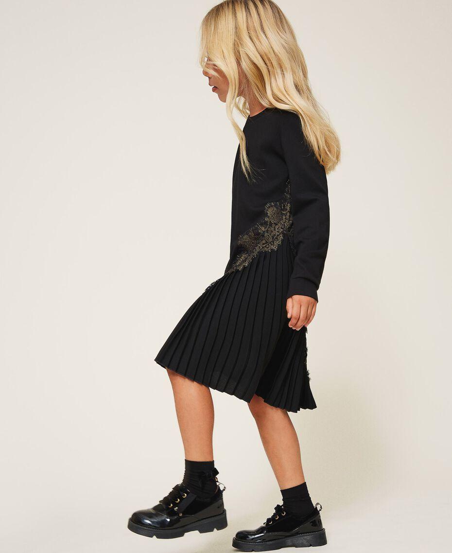 Pleats and lace dress Black Child 202GJ215A-01
