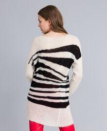 Maxi pull en mohair avec incrustation Bicolore Blanc Nacre / Noir Femme JA831A-03