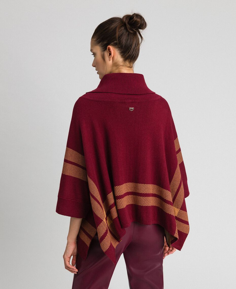 Poncho réversible en maille Rouge Violet / Beige «Camel Skin» Femme 192LI3ZAA-03