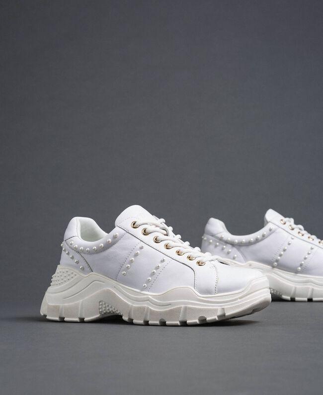 Sneakers aus Metallic-Leder mit Perlen Weiß Frau 192TCP066-01
