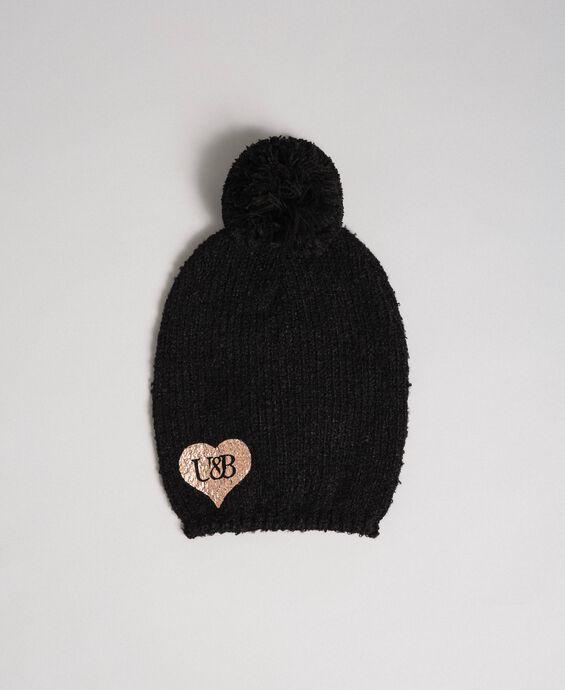 Bouclé yarn hat with heart