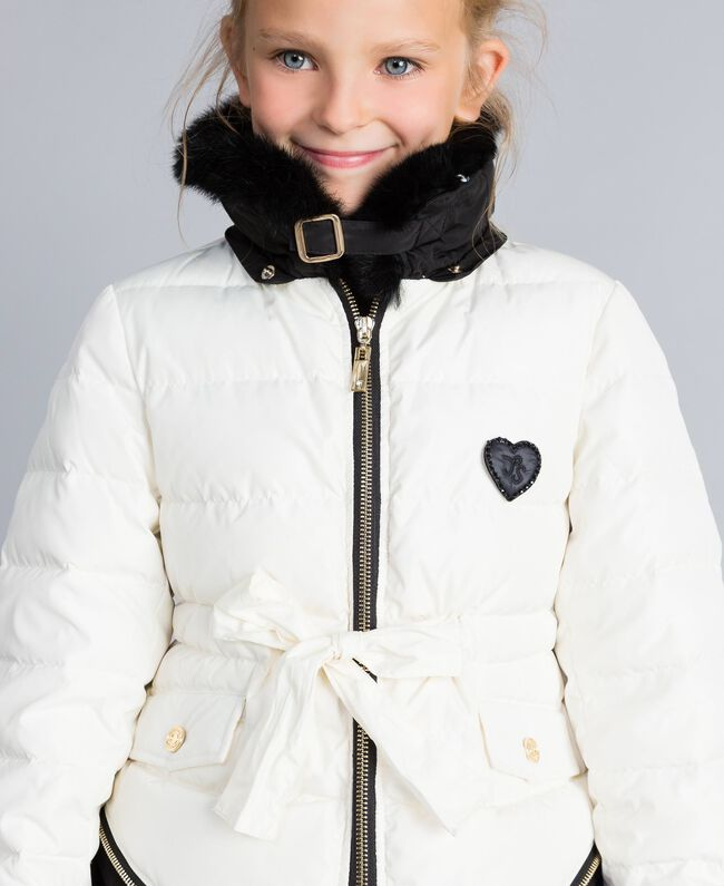 Piumino bicolore con colletto lapin Bicolor Off White / Nero Bambina GA82AU-04