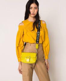 Kleine Rebel Bag mit Logotrageriemen Lime Gelb Frau 201TO823U-0S