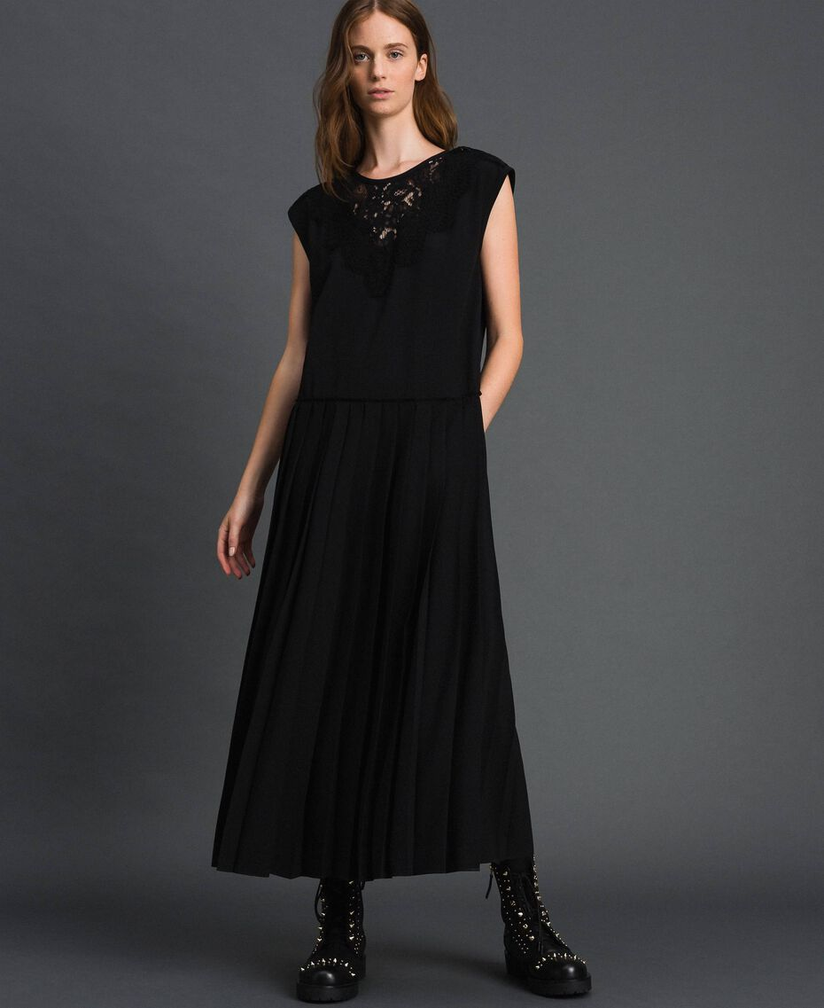 Crêpe de Chine dress with lace and pleats Black Woman 192ST208C-01