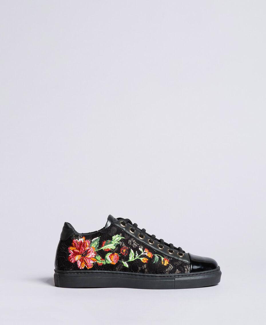 Sneakers aus Spitze und Leder mit Stickerei Schwarz Frau CA8PBN-02