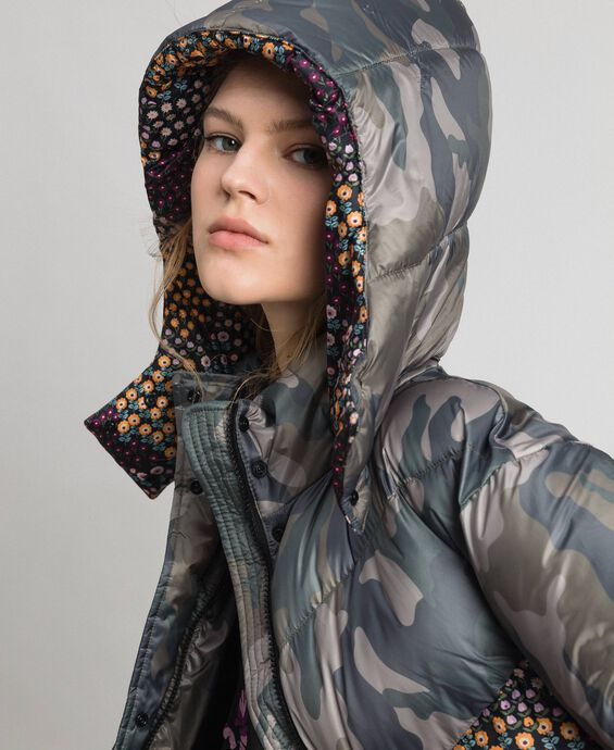 Short puffer jacket with camouflage and floral print