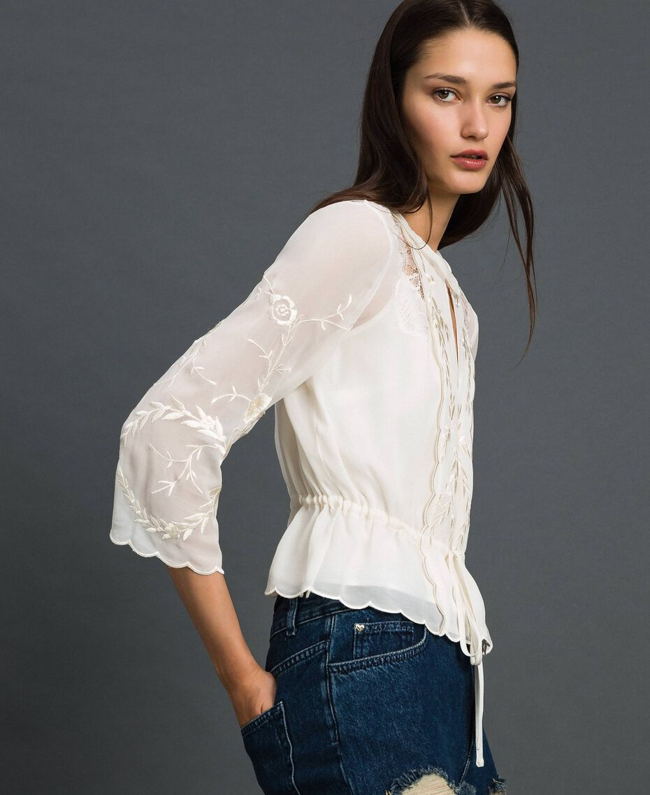 Georgette blouse with embroidery White Snow Woman 192TP2341-02