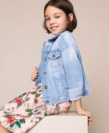 Giacca boxy in jeans con ricamo Denim Chiaro Bambina 201GJ2360-05