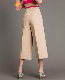 Pantaloni cropped in cotone tecnico Beige Nougat Donna 191TP2184-04