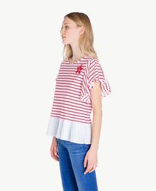 T-Shirt mit Streifen Streifen Optisches Weiß / Hochrot Frau JS82RG-02