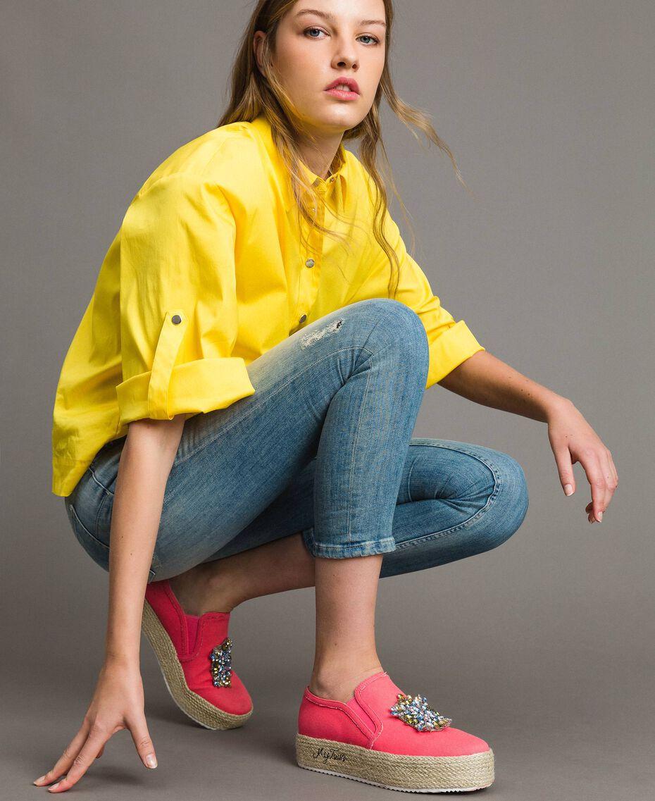 Chaussures slip-on en toile avec pierres Rose Camélie Femme 191MCP038-0S