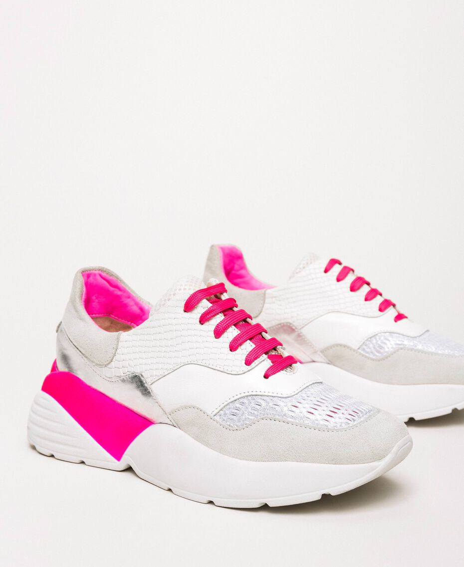 Running shoes with fluorescent finishes Two-tone Optical White / Fluo Fuchsia Woman 201TCP150-02