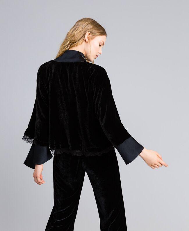 Jacke aus weichem Samt Schwarz Frau TA826R-03
