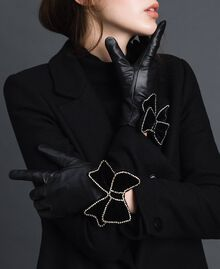 Leather gloves with velvet and stone bow Black Woman 192TA4343-0S