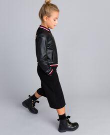 Jacke aus Lederimitat mit Stickereien Zweifarbig Schwarz / Mohnrot Kind GA82B1-03