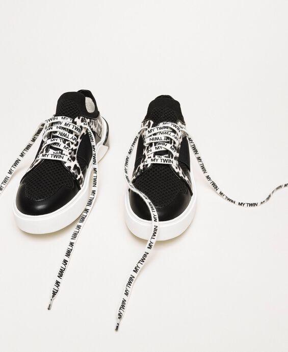 Sneakers aus Mesh mit Animal-Detail