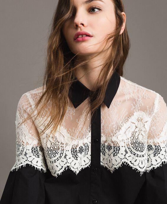 Camisa de popelina con incrustaciones de encaje.