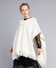 Poncho en maille avec franges Blanc Neige Femme PA83LN-01