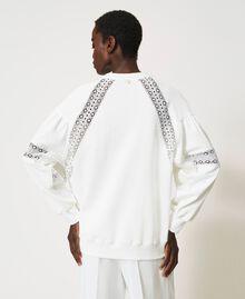 Sweatshirt mit Spitzenintarsien Sahne Frau 211TT2280-03