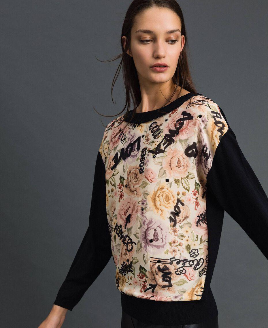 Pullover mit Blumen-Graffiti-Print und Strass Print Flow / Graffiti Vanille Frau 192MP3020-02