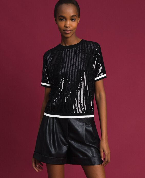 Cropped jumper with sequin embroidery