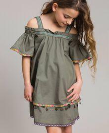 Baumwollkleid mit Mini-Medaillen Tundra-Grün Kind 191GJ2073-0S