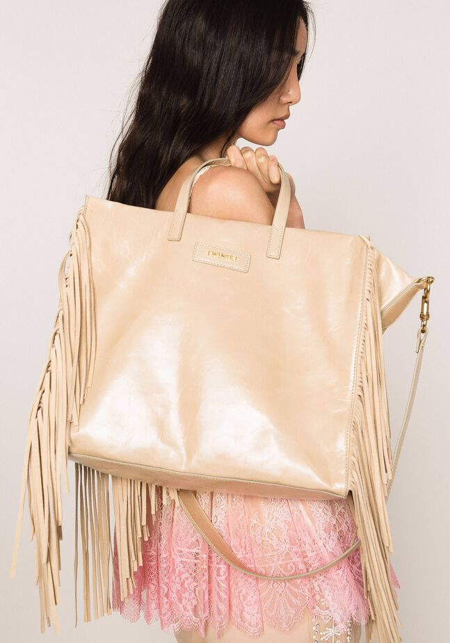 Large leather shopper with fringes