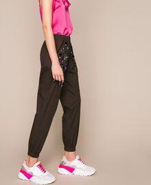 Поплиновые брюки-джоггеры с вышивкой Зеленый Вяз женщина 201ST2026-02