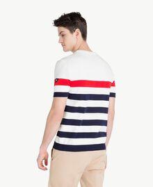 Pullover mit Streifen Multicolor Mattweiß / Geranienrot / Blackout-Blau Mann US8311-03