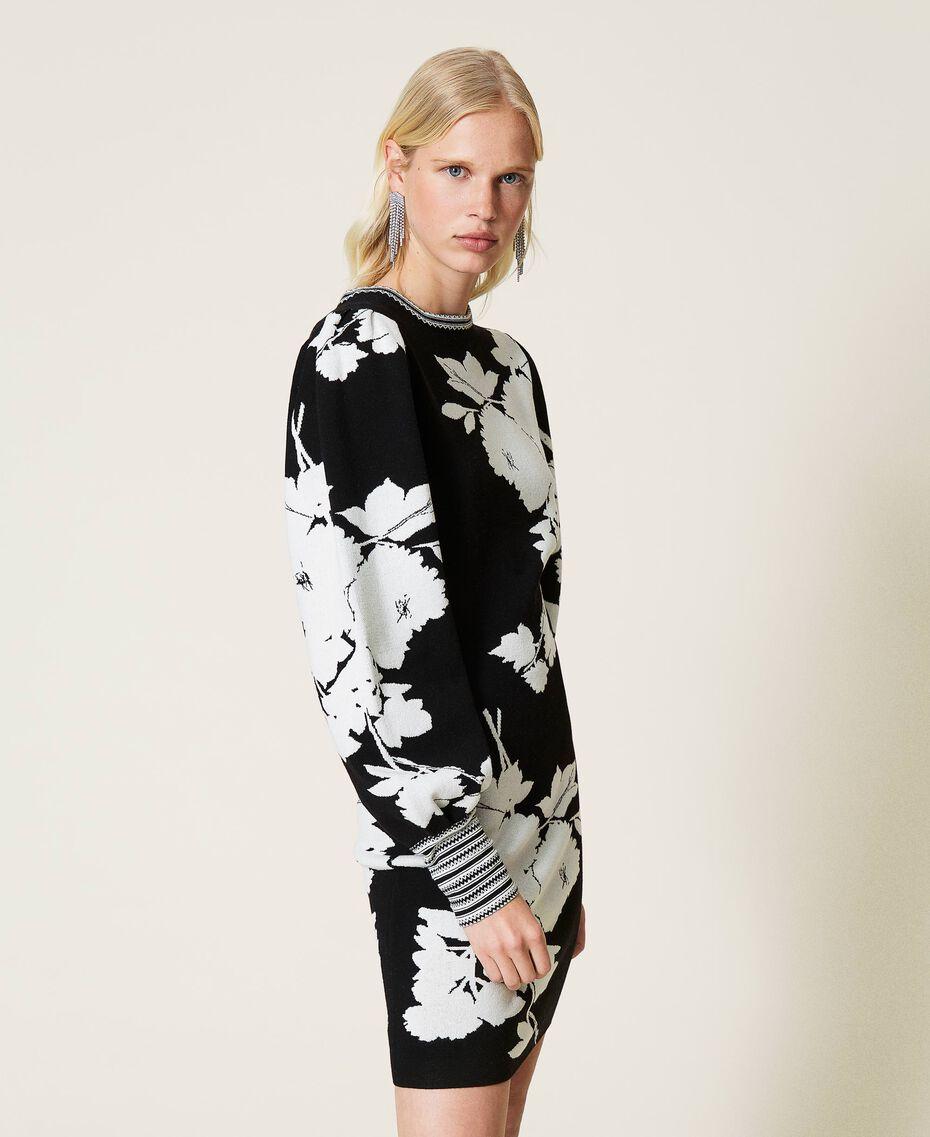 Robe jacquard florale Jacquard Fleurs Blanc «Neige»/ Noir Femme 212TP3540-03
