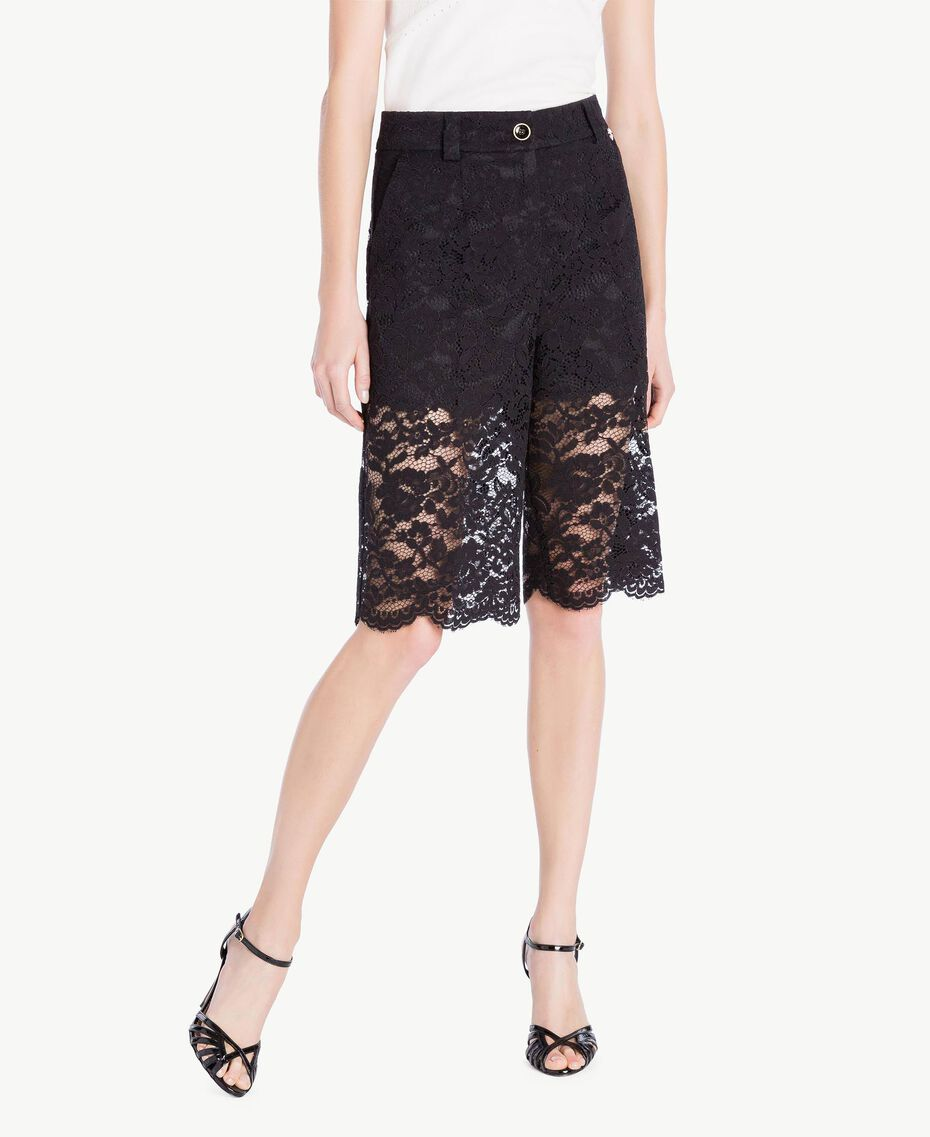 Shorts aus Spitze Schwarz Frau TS828T-01