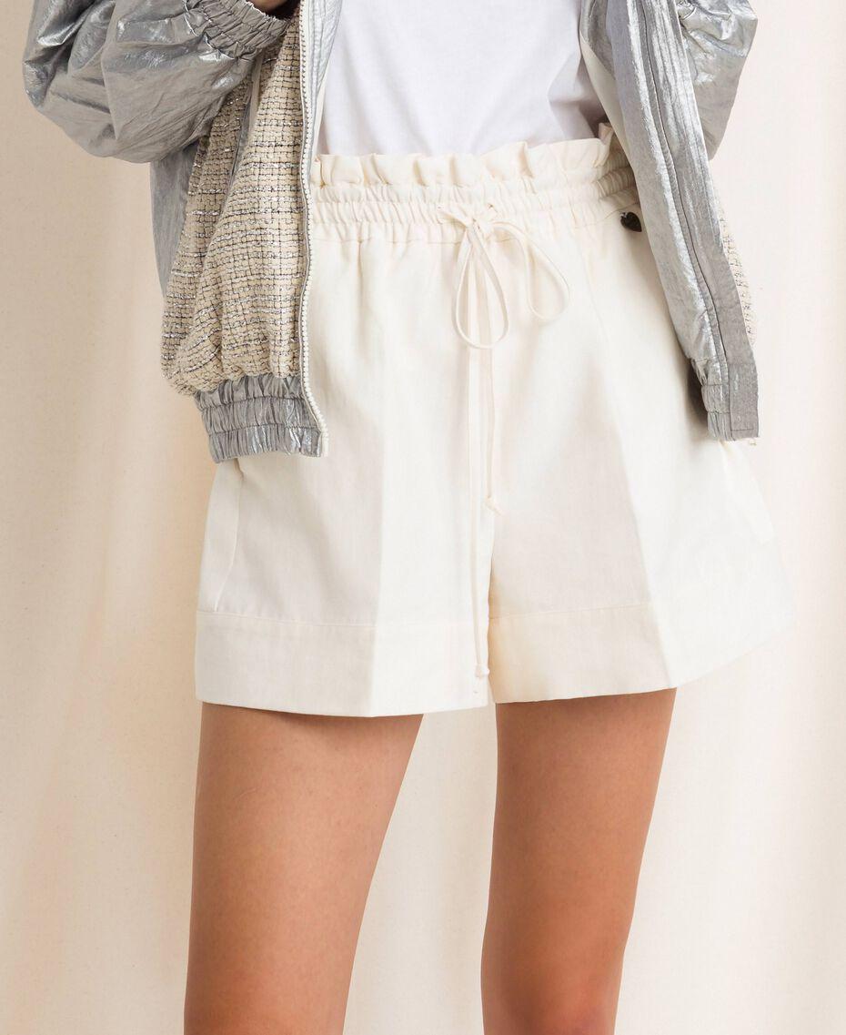 Short en lin mélangé Blanc Neige Femme 201TP2255-01