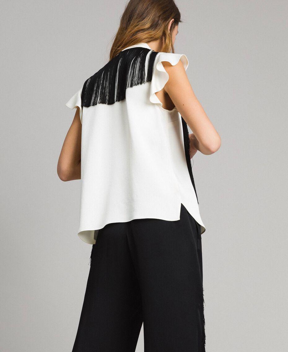 Bluse mit Gürtel mit Fransen Zweifarbig Schneeweiß / Schwarz Frau 191TT2384-05