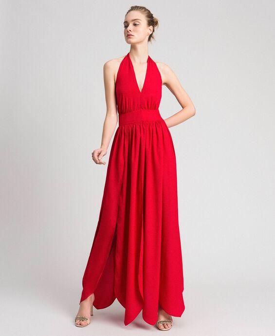 Длинное платье из крепдешина