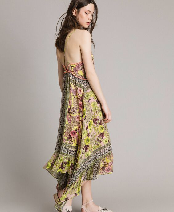 Chiffon dress with shawl print